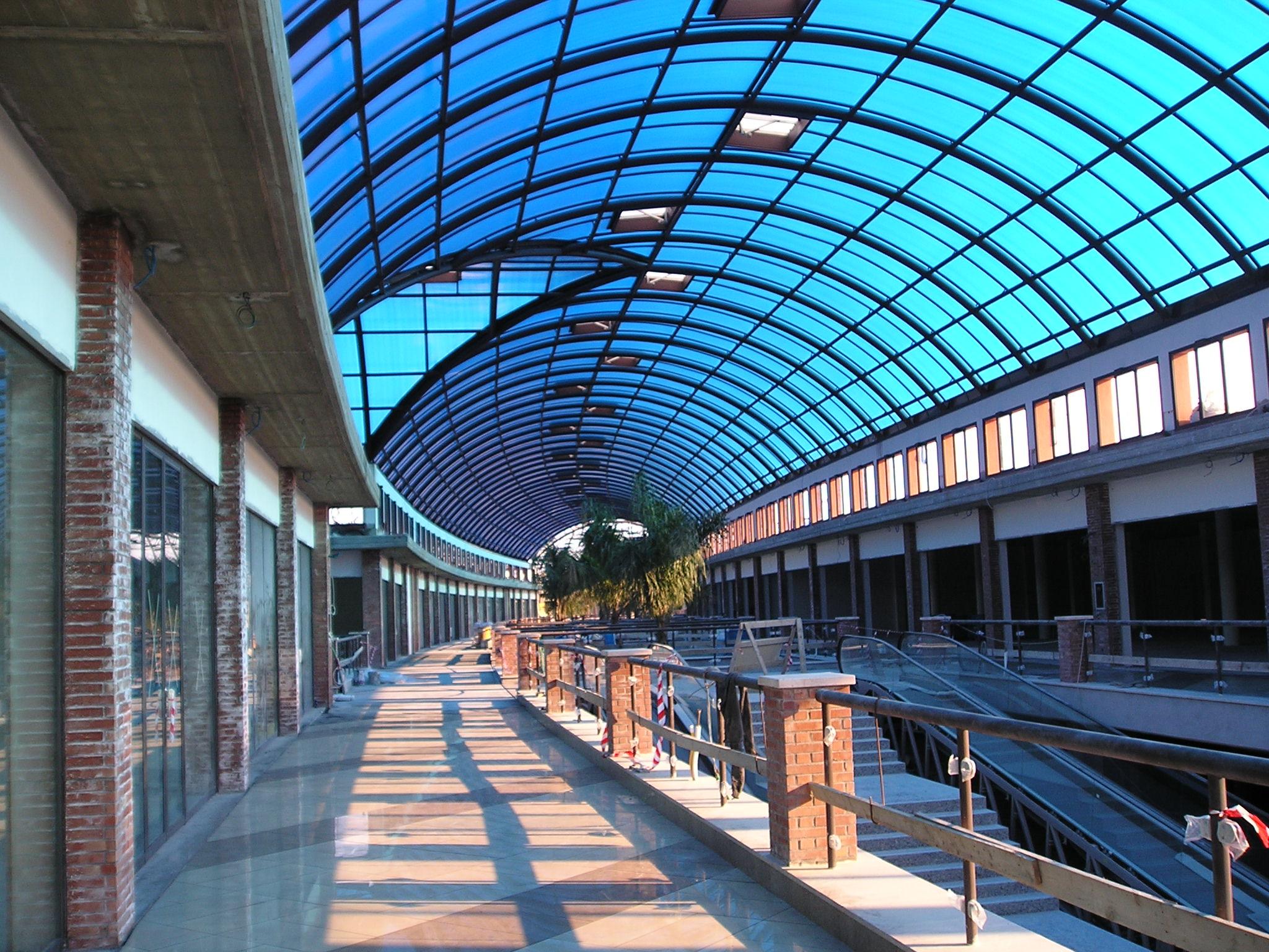 Portali catania negozi amazing parco commerciale le for I portali negozi